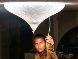 ingenious solar-powered skylight