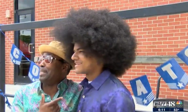 Teen Cut Off His 19-inch Afro to Raise $38,000– He Donated the Funds to Help Kids With Cancer